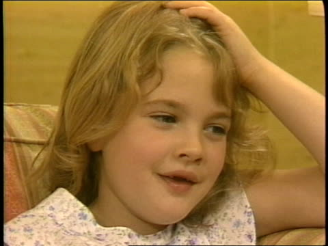 7yearold Drew Barrymore talks about the movie ET 3 of 4