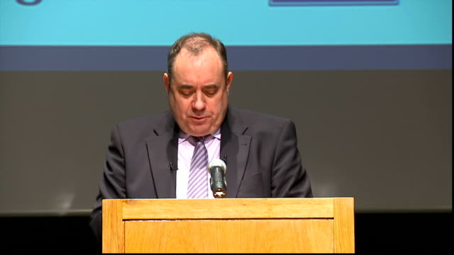 alex salmond speech salmond speech sot as any selfrespecting politician would do the first thing i did when i saw a copy of the papers was to look up... - war in afghanistan: 2001 present stock-videos und b-roll-filmmaterial
