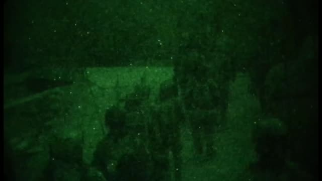 vidéos et rushes de 8th special operations kandak commandos advised by us special operations forces conducted raids on suspected taliban compounds in sayyidabad district... - taliban