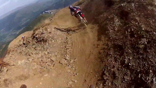pov of a mountain biker on a singletrack trail. - 1920x1080 - helm stock-videos und b-roll-filmmaterial