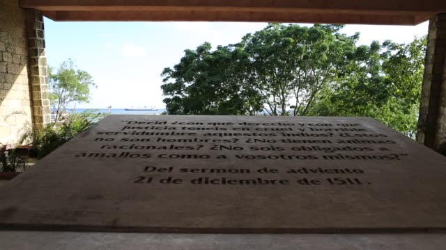 santo domingo dominican republic december 02 2012 ws of a stone tablet with a description engraved underneath the statue of antonio de montesinos a... - santo domingo dominican republic stock videos & royalty-free footage