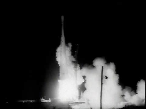 ws a thordelta rocket taking off / cape canaveral florida united states - telstar stock-videos und b-roll-filmmaterial