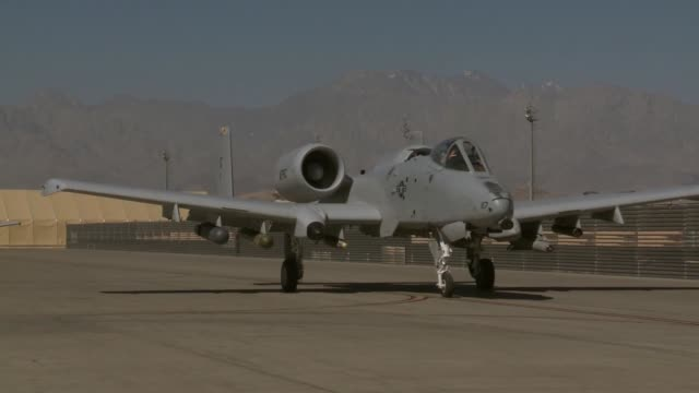 a10s takeoff land at bagram airfield afghanistan - bagram stock-videos und b-roll-filmmaterial