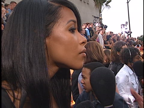 aaliyah at the mtv movie awards at shrine los angeles in los angeles ca - 2001 stock videos & royalty-free footage