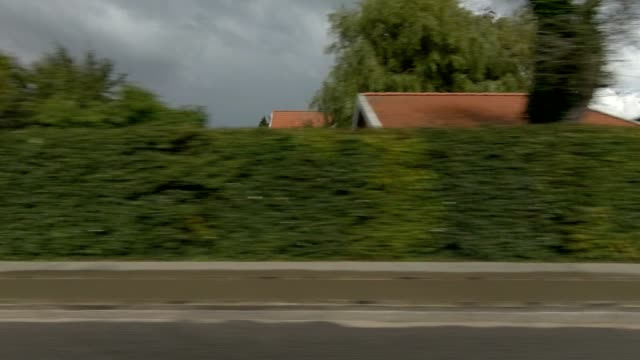 vídeos de stock, filmes e b-roll de aarhus suburb eu sincronizado série direita vista de condução placa de processo - dinamarca