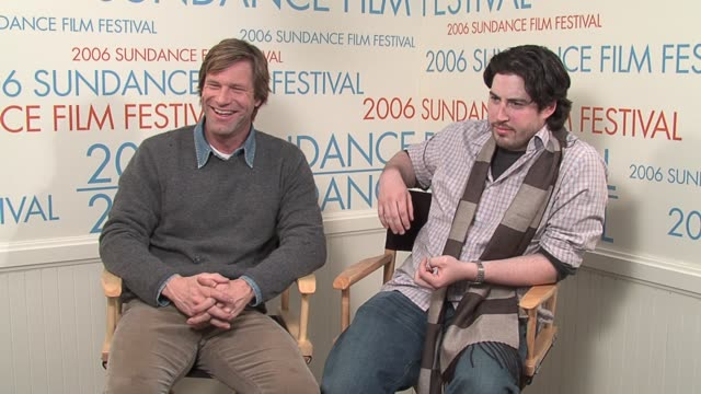 aaron eckhart and director jason reitman on the satirical nature of the movie, its cast, and having sundance as a venue for showcasing it at the 2006... - 風刺点の映像素材/bロール
