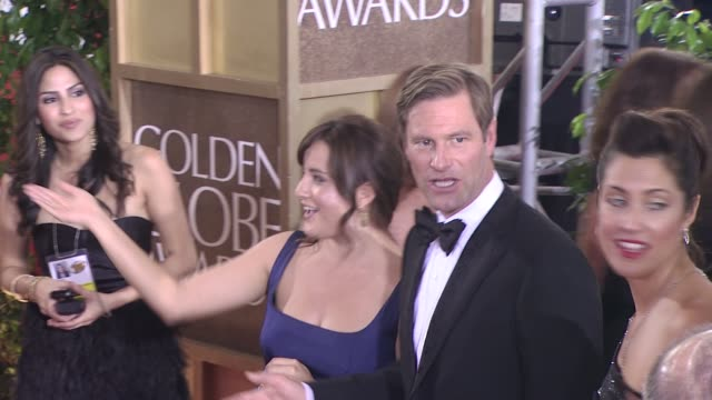 aaron eckhart at the 66th annual golden globe awards arrivals part 8 at los angeles ca - aaron eckhart stock videos & royalty-free footage