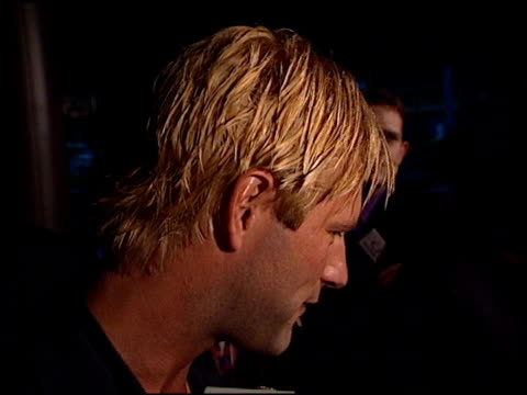 aaron eckhart at the 'your friends and neighbors' premiere at dga theater in los angeles california on august 17 1998 - dga theater stock videos & royalty-free footage