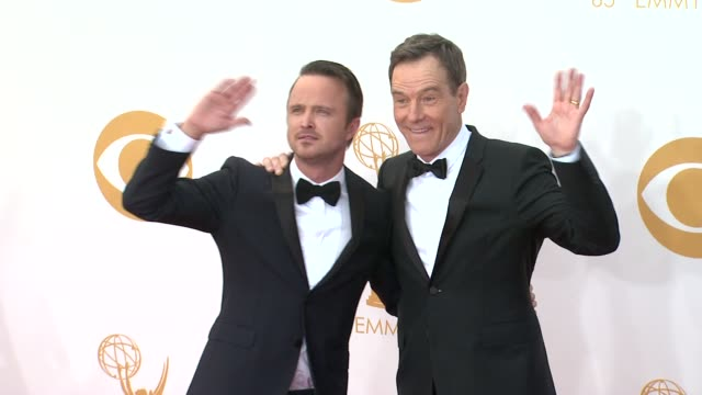 aaron paul and bryan cranston at 65th annual primetime emmy awards - arrivals aaron paul and bryan cranston at 65th annual at nokia theatre l.a. live... - annual primetime emmy awards stock-videos und b-roll-filmmaterial