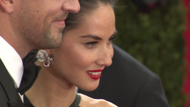 aaron rodgers olivia munn at china through the looking glass costume institute benefit gala arrivals at metropolitan museum of art on may 04 2015 in... - olivia munn stock videos and b-roll footage