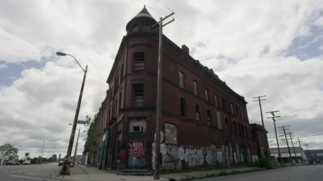 abandoned building in detroit time lapse   - condizione negativa video stock e b–roll