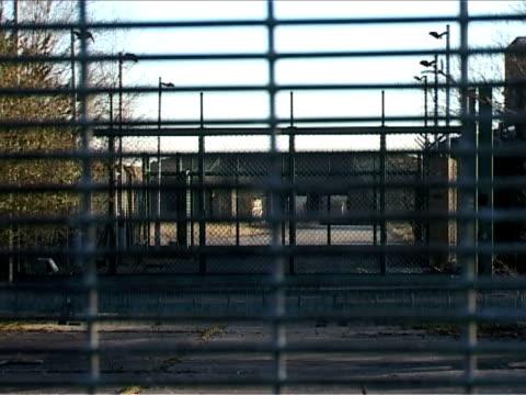 abandoned bunker - zoom out 個影片檔及 b 捲影像
