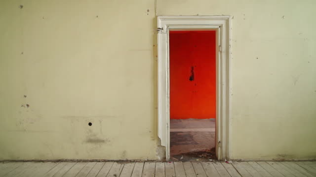 abandoned house. old room with doors - domestic room stock videos & royalty-free footage