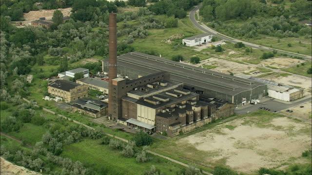 aerial abandoned power station, saxony, germany - zurückgelassen stock-videos und b-roll-filmmaterial