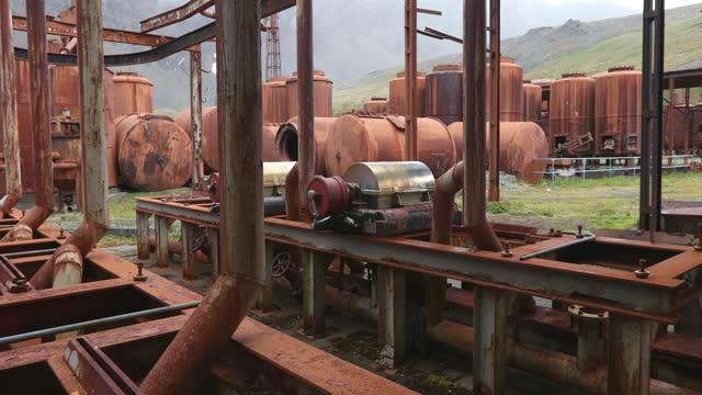 abandoned rusty whaling station buildings - 大西洋諸島点の映像素材/bロール
