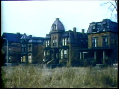 stockvideo's en b-roll-footage met abandoned upper class houses/ usa/ audio - zij aan zij