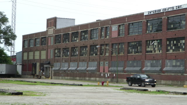 abandoned warehouse in chicago - abwesenheit stock-videos und b-roll-filmmaterial