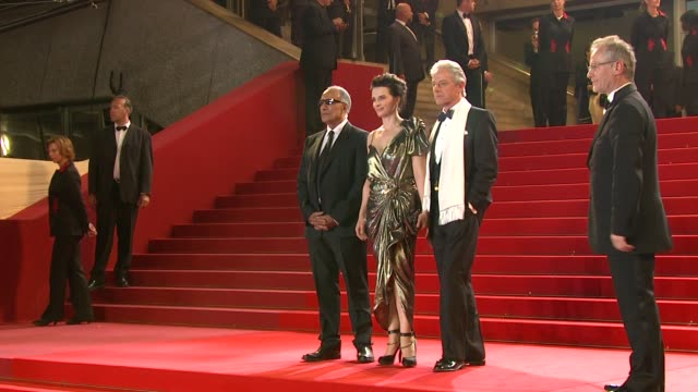 abbas kiarostami, juliette binoche and william shimell at the copie conforme red carpet: cannes film festival 2010 at cannes . - juliette binoche stock videos & royalty-free footage