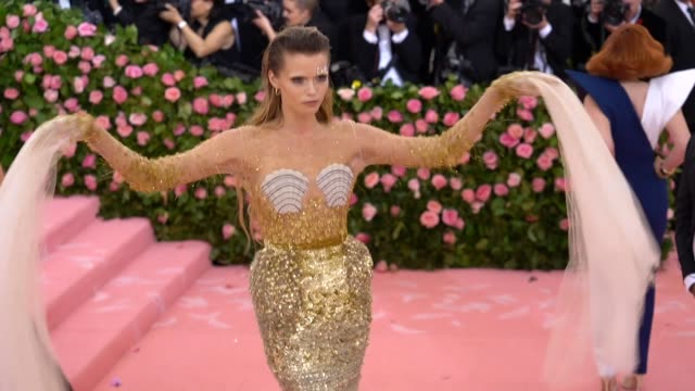 abbey lee kershaw at the 2019 met gala celebrating camp notes on fashion arrivals at metropolitan museum of art on may 06 2019 in new york city - met gala 2019 stock videos and b-roll footage