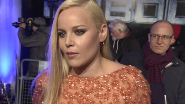 vídeos de stock, filmes e b-roll de interview abbie cornish on growing up with robocop and the relevance of the story in current times at 'robocop' uk film premiere at bfi imax on... - abbie cornish