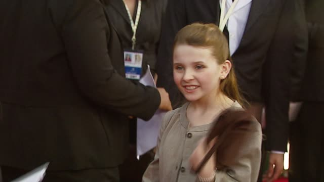 abigail breslin at the 2007 screen actors guild sag awards at the shrine auditorium in los angeles california on january 28 2007 - 2007 stock-videos und b-roll-filmmaterial
