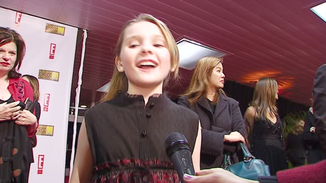 abigail breslin on award shows, on who she wants to meet at the broadcast film critics association's 2007 critic's choice awards at santa monica... - ブロードキャスト映画批評家協会点の映像素材/bロール