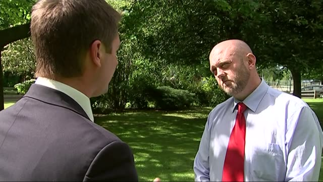 ablett psychiatric unit accused of treating patients like animals wales denbighshire ext jonathan lee talking to reporter - 被告人点の映像素材/bロール