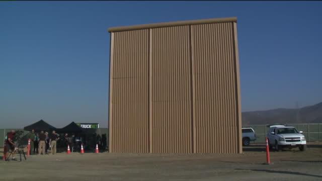 stockvideo's en b-roll-footage met kswb aborder wall prototypes in otay mesa - internationale grensbarrière