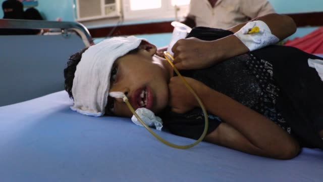 about 1.8 million yemeni children under the age of five suffer from acute malnutrition, and the lives of 400,000 severely affected children are under... - yemen stock videos & royalty-free footage