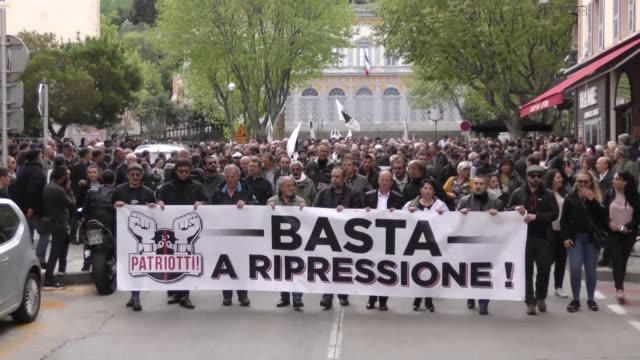 About a thousand people according to the prefecture 5 according to the organizers demonstrate in Bastia to denounce the fate of former Corsican...