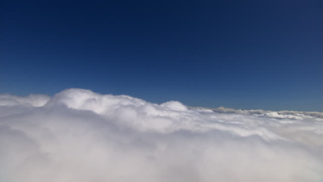 Above cloud layer, level flight