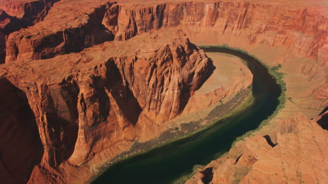 aerial above the horseshoe bend in arizona, usa - grand canyon national park stock videos & royalty-free footage