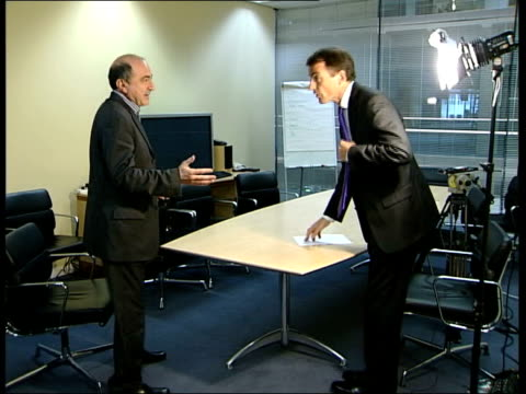 london gir boris berezovsky into office with neely and they sit down boris berezovsky interview sot abramovich's money is like other russian... - 実業家 ボリス・ベレゾフスキー点の映像素材/bロール