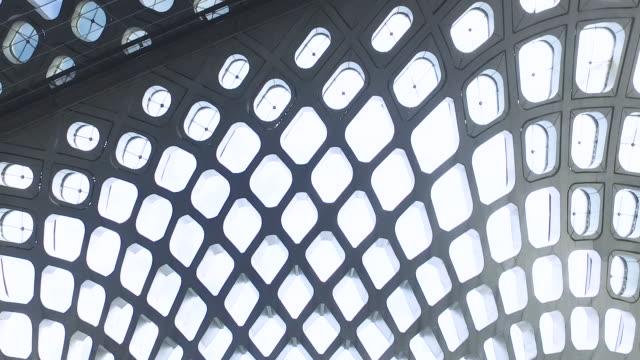 vídeos de stock e filmes b-roll de abstract architecture - claraboia