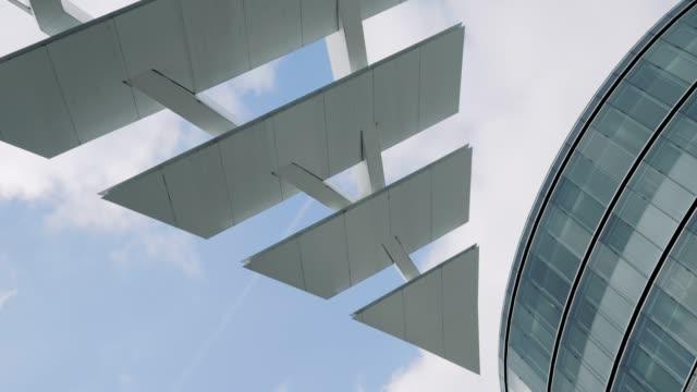 vídeos de stock, filmes e b-roll de arquitetura abstrata - triângulo formato bidimensional