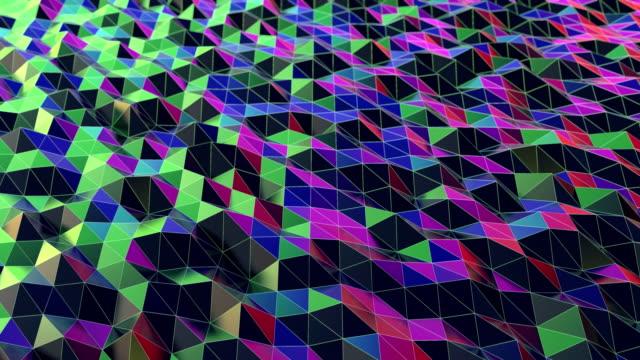 vídeos de stock, filmes e b-roll de onda colorida do terra do triângulo preto abstrato - triângulo instrumento de percussão