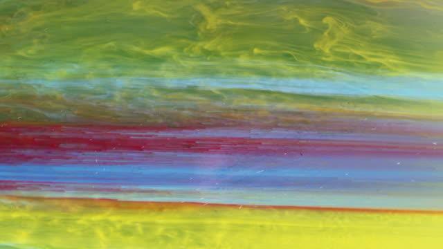vidéos et rushes de abstract ink in water - circuler