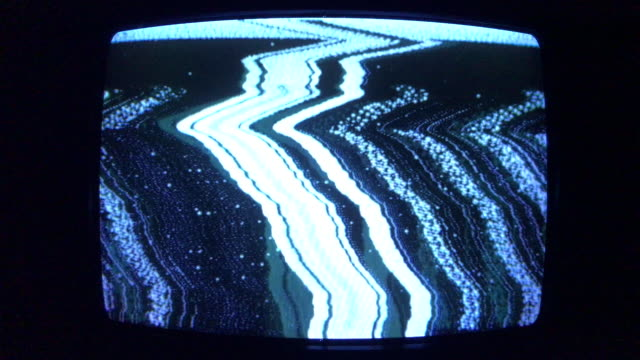 abstract patterns bad signal on old tv tube screen - obsoleto video stock e b–roll