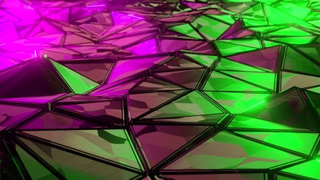 vídeos de stock, filmes e b-roll de metal de fundo de fundo de forma poligonal abstrata metal de baixo polinão - rombo
