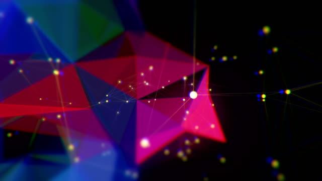 vídeos de stock e filmes b-roll de abstract triangle shape loopable backgrounds - triângulo