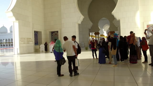abu dhabi, sheikh zayed grand mosque - grand mosque stock videos and b-roll footage