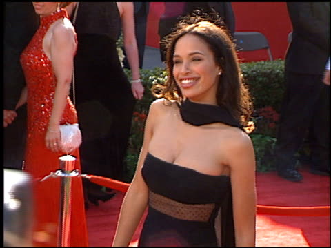 academy awards arrivals at the 1996 academy awards arrivals at the shrine auditorium in los angeles california on march 25 1996 - 1996年点の映像素材/bロール