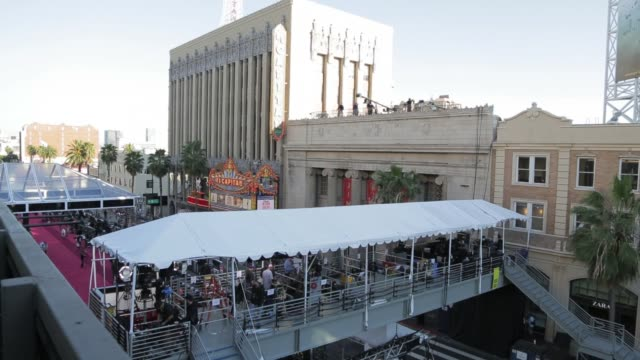 academy awards preparations at dolby theater hollywood on february 22 2013 in los angeles california - ドルビー・シアター点の映像素材/bロール
