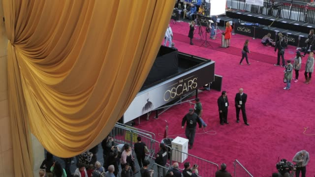 vídeos de stock e filmes b-roll de academy awards preparations at dolby theater hollywood on february 22, 2013 in los angeles, california - the dolby theatre