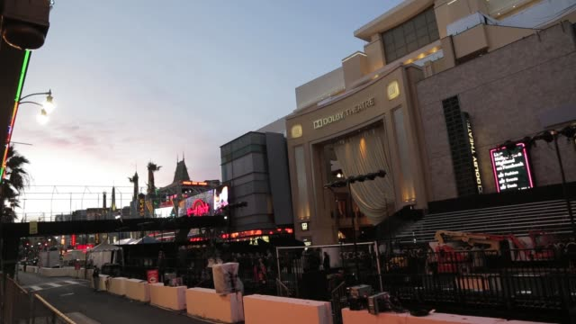 academy awards preparations hollywood blvd on february 20 2013 in los angeles california - the dolby theatre stock videos & royalty-free footage