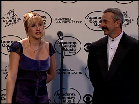 academy of country music awards of 5 entrances pressroom at the 1999 academy of country music awards at universal studios in universal city... - academy of country music awards stock videos & royalty-free footage