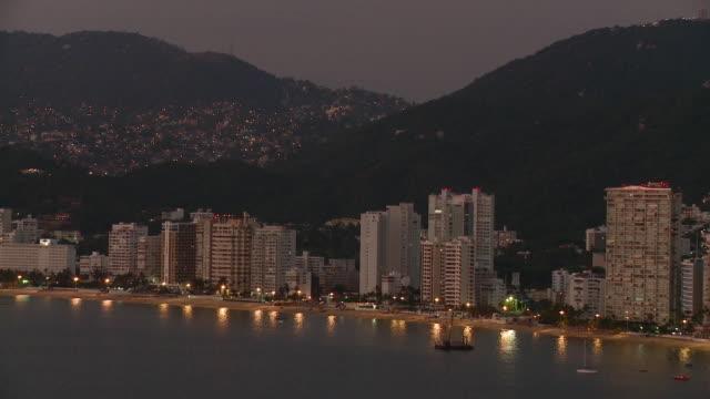 WS HA Acapulco Bay at dusk / Acapulco, Guerrero, Mexico