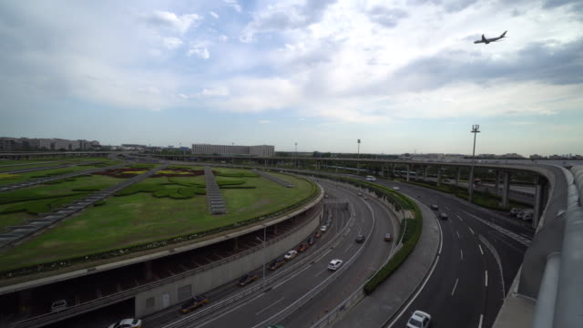 according to china caac, china will build three world-class airport clusters in the jingjinji area , the yangtze river delta area and the pearl river... - international landmark video stock e b–roll