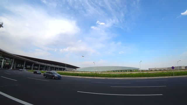 vídeos de stock, filmes e b-roll de according to china caac, china will build three world-class airport clusters in the jingjinji area , the yangtze river delta area and the pearl river... - major road