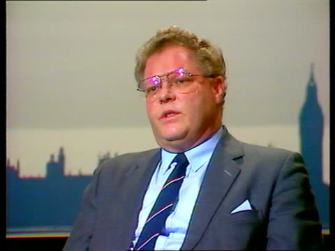 london: graham bright mp - doesn't believe organisers when they say they take safety precautions: - 酸点の映像素材/bロール